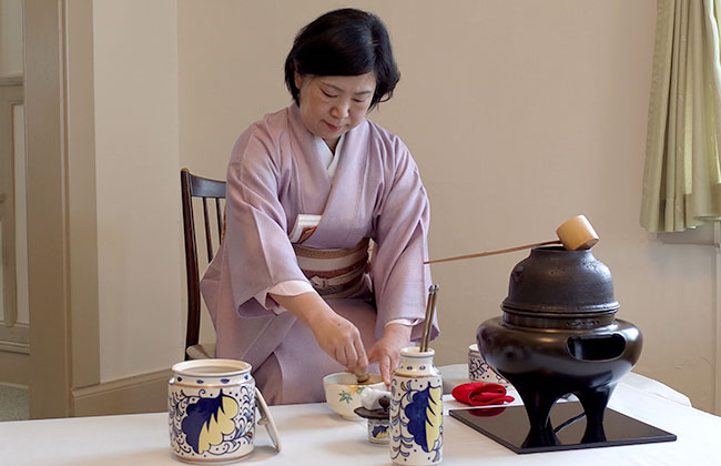 Snapshot: Communion and the Japanese tea ceremony